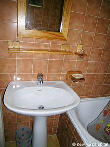 South of France - French Riviera - 2 Bedroom accommodation - bathroom (PR-633) photo 4 of 6