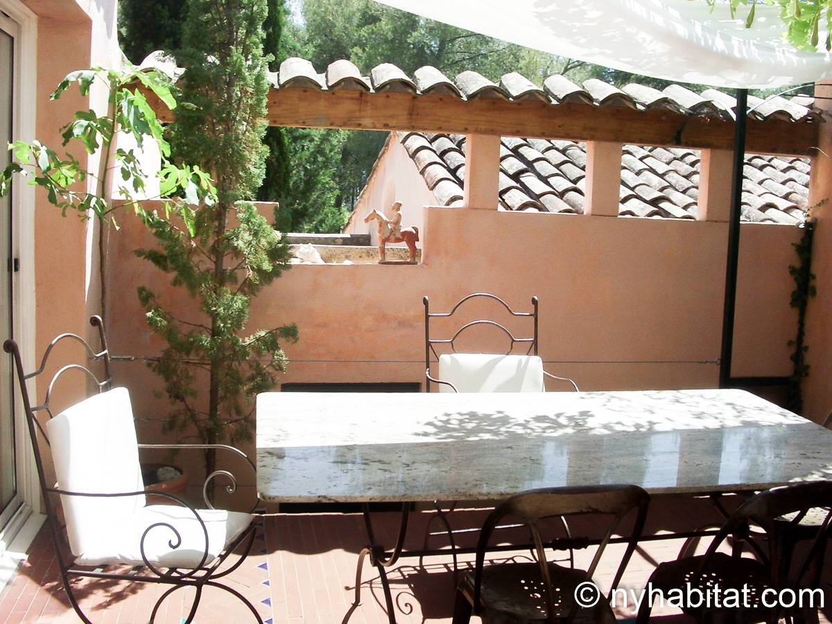 South of France Aix en Provence, Provence - 2 Bedroom apartment - Apartment reference PR-654