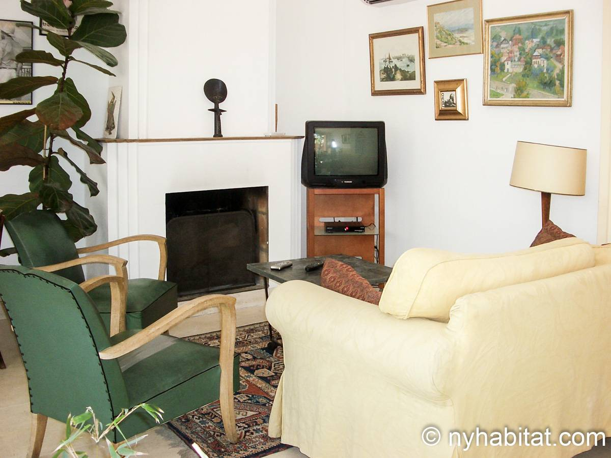 South of France - Provence - 2 Bedroom - Villa apartment - living room (PR-654) photo 2 of 3