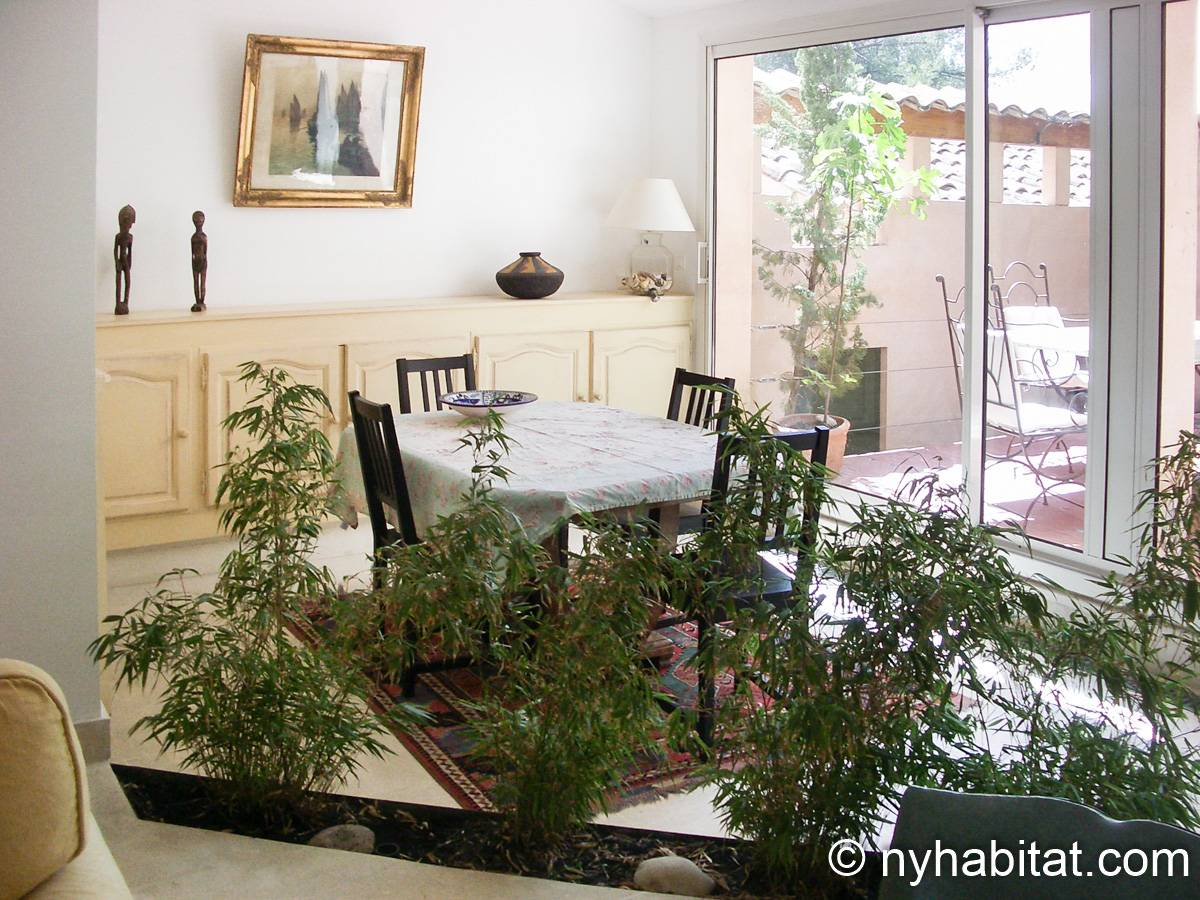 South of France - Provence - 2 Bedroom - Villa apartment - living room (PR-654) photo 1 of 3