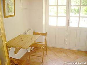Sud de la France - Provence - Studio T1 - Duplex appartement bed breakfast - séjour (PR-662) photo 7 sur 7