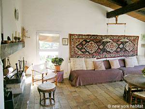 South of France - Provence - 4 Bedroom - Villa accommodation - living room (PR-692) photo 5 of 12