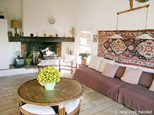 South of France - Provence - 4 Bedroom - Villa accommodation - living room (PR-692) photo 7 of 12