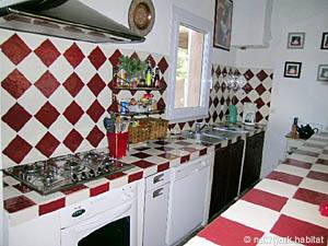 South of France - Provence - 4 Bedroom - Villa accommodation - kitchen (PR-692) photo 9 of 15
