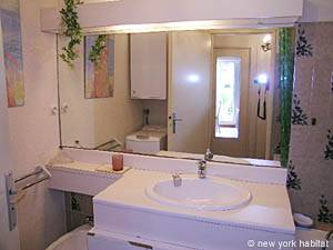 South of France - French Riviera - 1 Bedroom accommodation - bathroom 1 (PR-714) photo 1 of 3