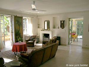 South of France - Provence - 3 Bedroom - Villa accommodation - living room (PR-715) photo 16 of 24