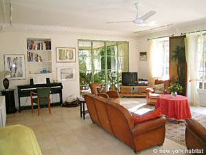 South of France - Provence - 3 Bedroom - Villa accommodation - living room (PR-715) photo 18 of 24