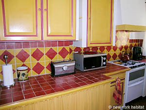 South of France - Provence - 1 Bedroom accommodation - kitchen (PR-758) photo 2 of 3