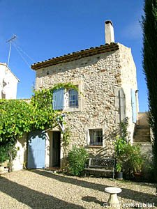 South of France Accommodation: One bedroom rental in Villars, Luberon, Provence (PR-776)