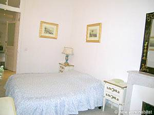 South of France - French Riviera - 2 Bedroom accommodation - bedroom 1 (PR-800) photo 4 of 5