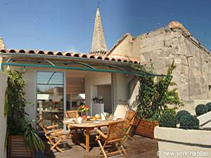 South France Accommodation 3 Bedroom Rental in Avignon, Provence (PR-858)