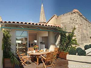 Appartement dans le Sud de la France Location de Vacances T4 - Avignon, Provence (PR-858)