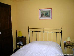 South of France - Provence - 5 Bedroom - Villa apartment - bedroom 1 (PR-900) photo 4 of 7
