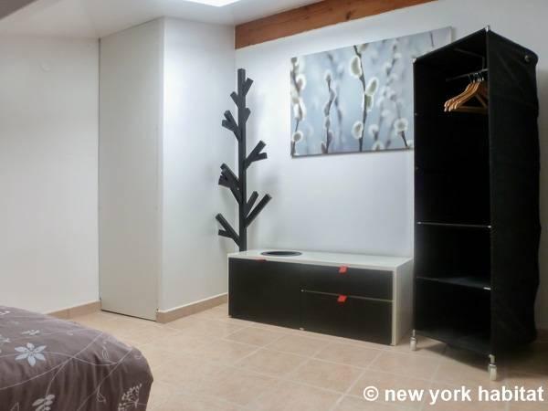 Casa vacanza nel sud della francia 2 camere da letto for 2 camere da letto 1 bagno piani duplex
