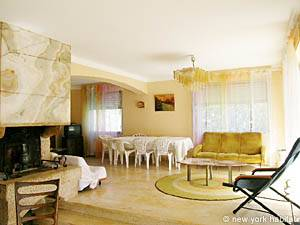 South of France - French Riviera - 3 Bedroom - Villa accommodation - living room (PR-948) photo 1 of 4