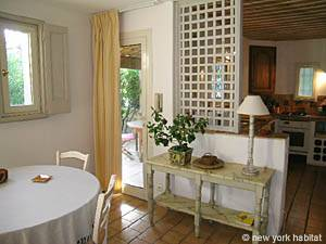 South of France - Provence - 2 Bedroom - Villa accommodation - living room (PR-993) photo 2 of 6