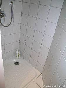 Sud de la France - Provence - T2 appartement location vacances - salle de bain 1 (PR-1000) photo 4 sur 4