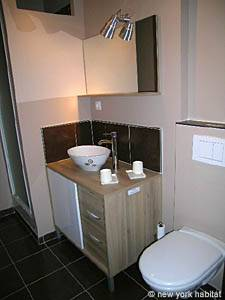 South of France - Provence - Studio apartment - bathroom (PR-1012) photo 2 of 5