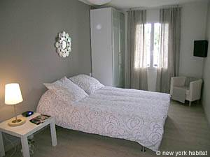 South of France - Provence - Studio apartment - living room (PR-1012) photo 1 of 6