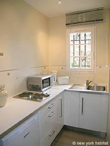 South of France - Provence - Studio apartment - kitchen (PR-1012) photo 2 of 4