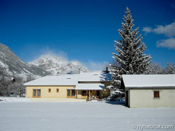 South of France - French Alps - 4 Bedroom - Chalet accommodation bed breakfast - other (PR-1017) photo 8 of 10