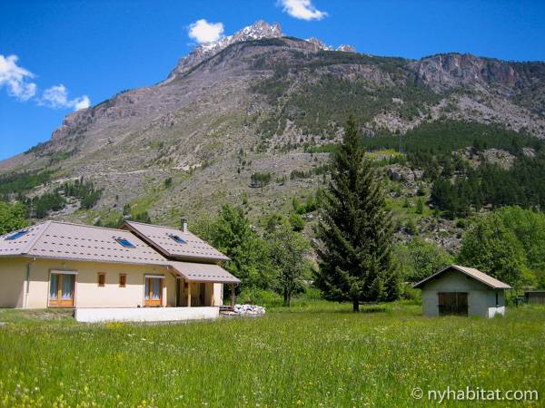 South of France L'Argentière La Bessée, French Alps - 4 Bedroom accommodation bed breakfast - Apartment reference PR-1017