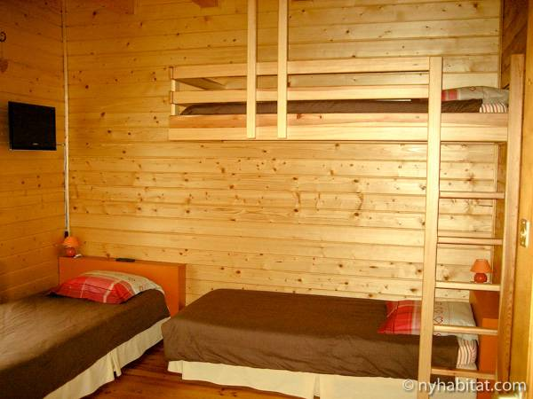 South of France - French Alps - 4 Bedroom - Chalet accommodation bed breakfast - bedroom 3 (PR-1017) photo 1 of 2