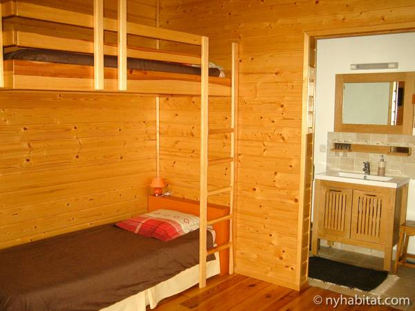 South of France - French Alps - 4 Bedroom - Chalet accommodation bed breakfast - bedroom 3 (PR-1017) photo 2 of 2