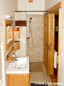 South of France - French Alps - 4 Bedroom - Chalet accommodation bed breakfast - bathroom 3 (PR-1017) photo 1 of 2