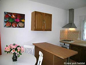 South of France - Provence - 1 Bedroom apartment - kitchen (PR-1022) photo 2 of 2