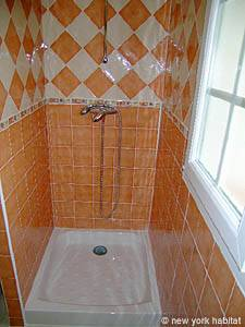 South of France - Provence - 1 Bedroom apartment - bathroom (PR-1022) photo 3 of 4