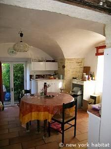 Sud de la France - Montpellier Region - T3 - Duplex - Maison de Village appartement location vacances - cuisine (PR-1041) photo 5 sur 5