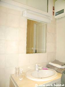 South of France - Provence - Alcove Studio apartment - bathroom (PR-1070) photo 3 of 5