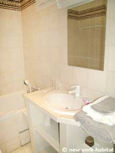 South of France - Provence - Alcove Studio apartment - bathroom (PR-1070) photo 1 of 5