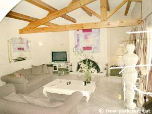 South of France - Provence - 4 Bedroom - Villa accommodation - living room (PR-1081) photo 2 of 8