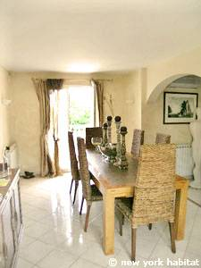 South of France - Provence - 4 Bedroom - Villa accommodation - living room (PR-1081) photo 6 of 8