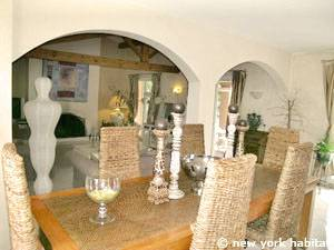 South of France - Provence - 4 Bedroom - Villa accommodation - living room (PR-1081) photo 7 of 8