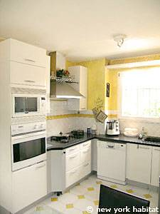 South of France - Provence - 4 Bedroom - Villa accommodation - kitchen (PR-1081) photo 1 of 4