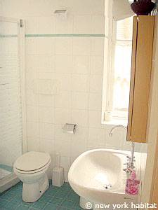 South of France - French Riviera - 2 Bedroom apartment - bathroom (PR-1082) photo 2 of 2