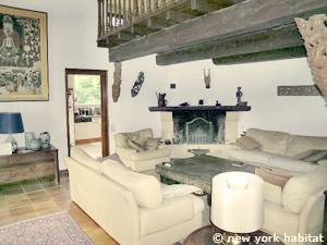 South of France - French Riviera - 3 Bedroom - Villa accommodation - living room (PR-1084) photo 1 of 6