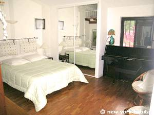 South of France - French Riviera - 3 Bedroom - Villa accommodation - bedroom 2 (PR-1084) photo 1 of 6