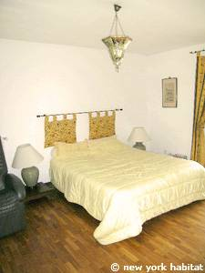 South of France - French Riviera - 3 Bedroom - Villa accommodation - bedroom 1 (PR-1084) photo 1 of 4