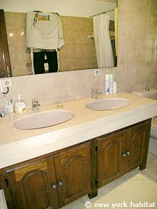 South of France - French Riviera - 3 Bedroom - Villa accommodation - bathroom 1 (PR-1084) photo 2 of 3