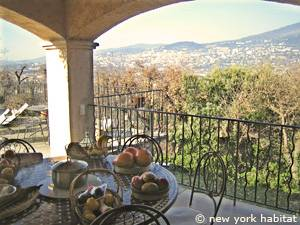 South of France - French Riviera - 3 Bedroom - Villa accommodation - kitchen (PR-1084) photo 6 of 7