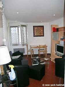 Sud de la France - Provence - T2 logement location appartement - séjour (PR-1088) photo 1 sur 4