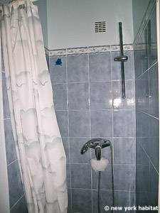 Sud de la France - Provence - T2 logement location appartement - salle de bain (PR-1088) photo 3 sur 3