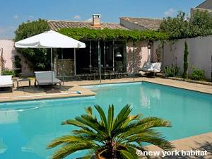 South of France - Provence - 1 Bedroom - Mas accommodation - Apartment reference PR-1118