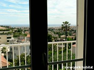 South of France - French Riviera - 3 Bedroom - Duplex - Villa accommodation - bedroom 2 (PR-1128) photo 4 of 6