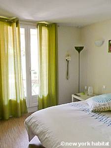 Sud de la France - Provence - Studio T1 logement location appartement - séjour (PR-1129) photo 3 sur 4