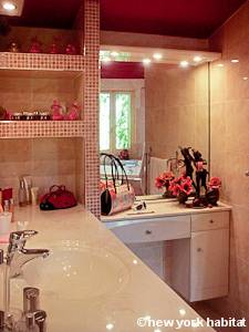 South of France - Provence - 3 Bedroom - Duplex - Villa accommodation - bathroom 3 (PR-1132) photo 1 of 2
